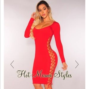 Red Lace Up Sides Key Hole Long Sleeves Dress